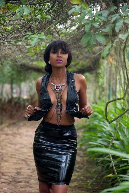 Yvonnenelsonafrica1