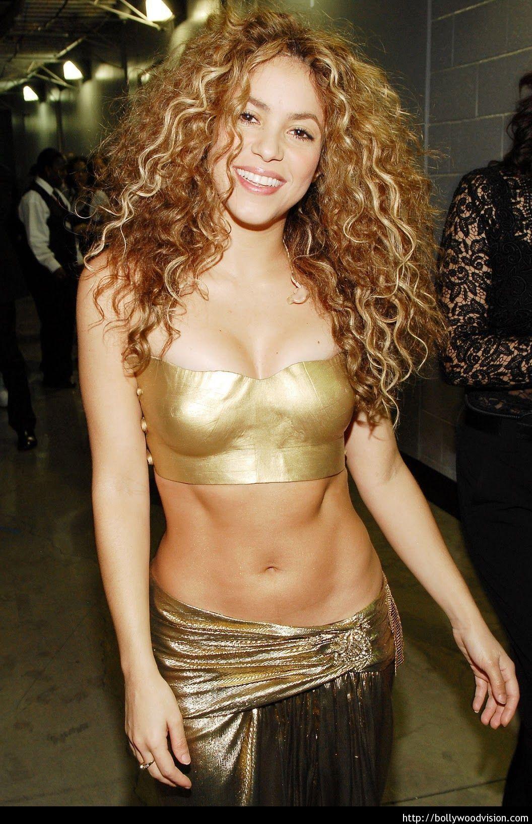 Shakira-height-and-weight-2013-e1364707109925