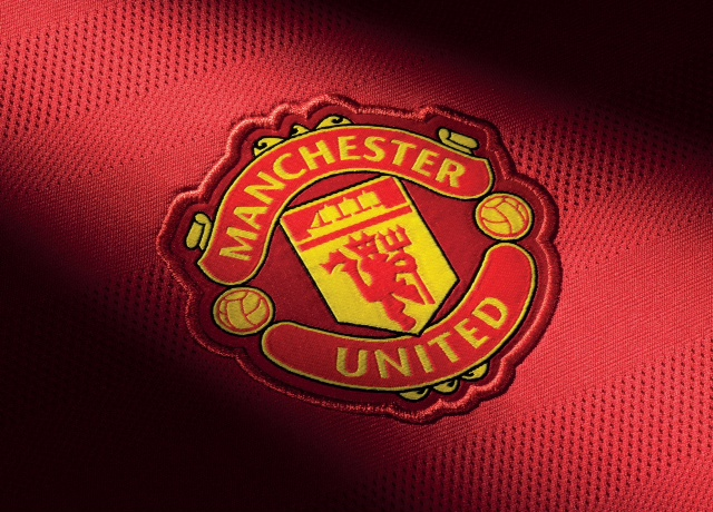 8abeb085e H20122 FO Clubs 2015-2016 MANCHESTER UNITED ADDITIONAL DETAIL CREST. The  design of the new kits has ...