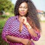 Is SISTA AFIA a songstress or busy crushing on different guys? The answer is the second….as she expresses her feelings to Kofi Kinaata
